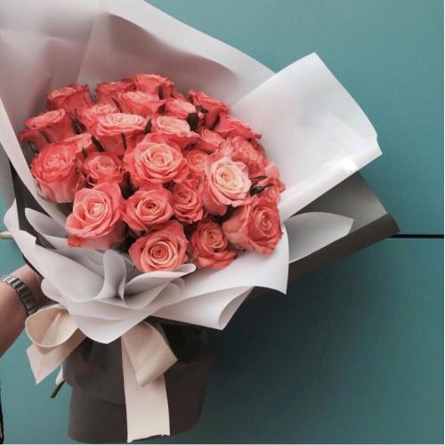 Купить на заказ Заказать Букет из 31 коралловой розы с доставкой по Семей  с доставкой в Семее