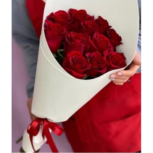 Купить на заказ Букет из 11 красных роз с доставкой в Семее