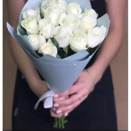 Купить на заказ Заказать 15 белых роз с доставкой по Семей  с доставкой в Семее